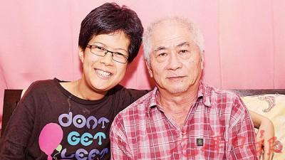 陈佳祺感谢爸爸在中风行动困难中,依旧给予细心照顾。