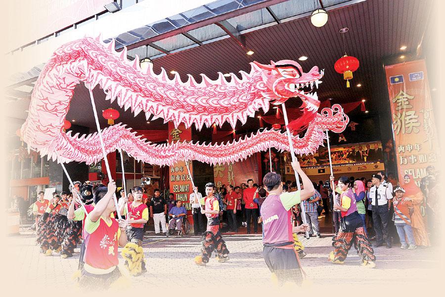 每年农历新年期间,州政府及各大政党都会举办新春庙会及团拜与民同乐。