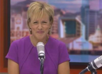 希拉里芭莉报道利查曼企图性侵少女案新闻,竟在主播台大笑。