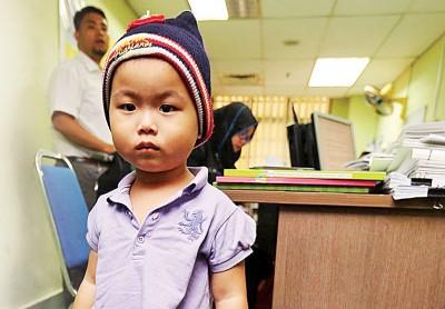 张安琪与姑丈和姑姑一起度过农历新年,暂时不回儿童庇护中心。(档案照)