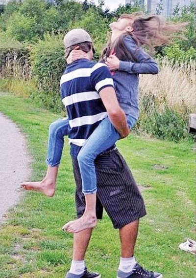 麦格夫去年和男友拥抱时遇到断肋骨一刻。
