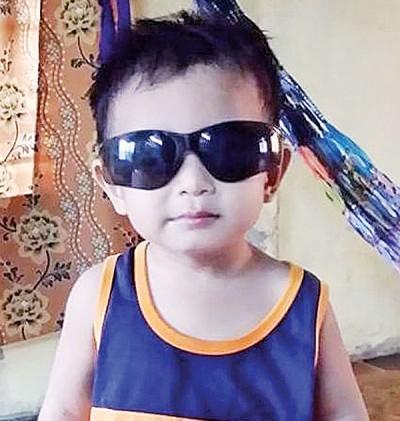 2岁男童沙鲁阿峇,溺毙在家前小河。