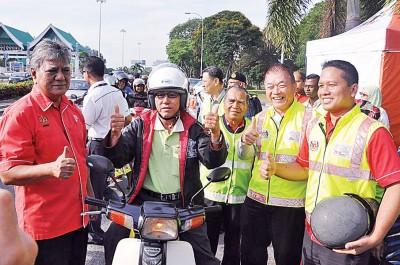 当局将于新春前后,在各大要道举行道路安全运动,以提升公路使用者的交通安全意识。