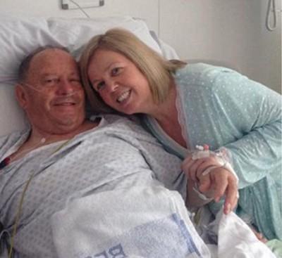 瓦妮莎捐出一个肾脏给67岁父亲卡拉汉。