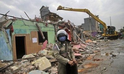 印尼雅加达最大红灯区正被拆除。