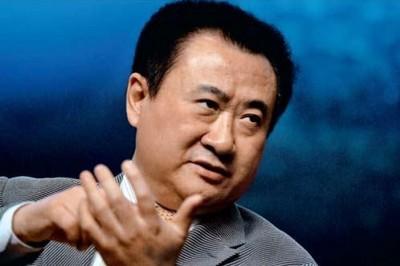 万达集团董事长王健林排名升至第18,成为首位打入头20名的中国大陆富豪。