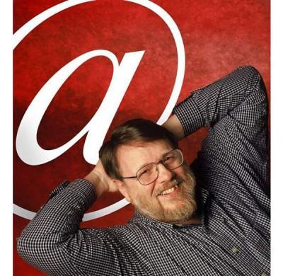 """汤姆林森被称为""""电子邮件之父""""。"""