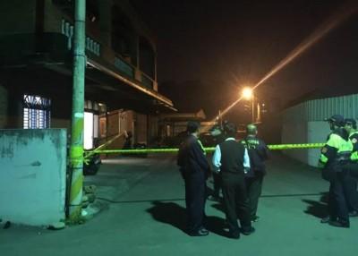 警方封锁现场调查。
