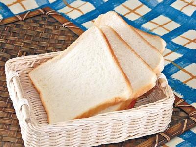 常吃含较高升糖指数的白面包,会增加患肺癌风险。