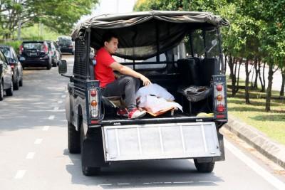 死者遗体被送往马大医药中心解剖。