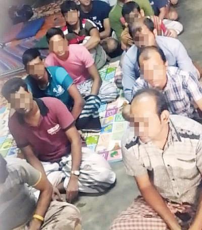 槟州警方救出遭人蛇集团禁锢的27名孟加拉男子。(照片取自全国总警长推特)