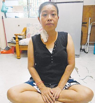 刘凤仪顾帕金森症老母,自己的洗肾费却苦无着落。