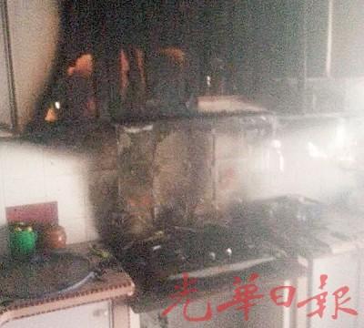 火苗从厨房烧起,幸及时被扑灭,未酿成大祸。