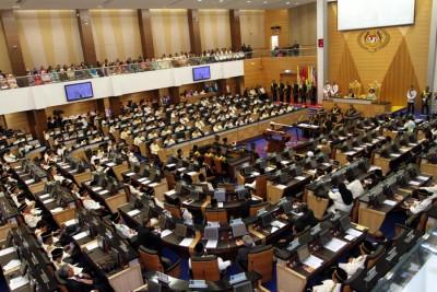 慕尤丁需要拥有超过一半国会议员的支持,才能推翻纳吉。