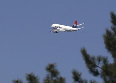 由黎巴嫩飞往塞尔维亚的客机,被揭发机上藏有2枚装上爆炸性弹头的地狱火导弹。