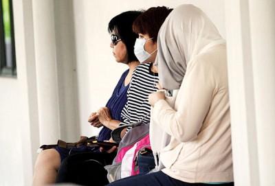 涉及天体营的3名女被告,出席审讯。