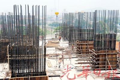 朝周五突然宣布定下新的外劳人头税,建筑业是内部一个多600令吉人头税的世界。