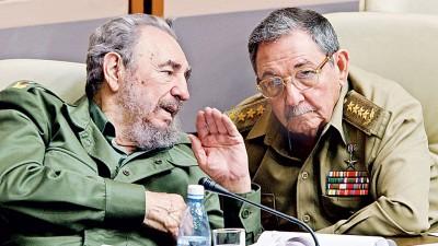 根据行程,欧巴马此行将不会与古巴前领导人卡斯特罗(左)见面,仅会与现任领导人劳尔卡斯特罗(右)会面商讨网络创业事宜。