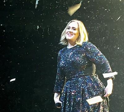 英国歌姬爱黛儿之世界巡演正如火如荼进行。