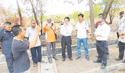 刘子健(右3)限当局7天内履行协议责任。