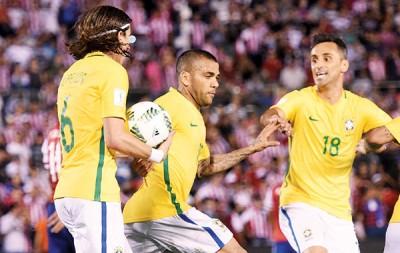 阿尔维斯(倍受)援助巴西一样巴拉圭。