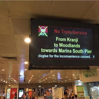 周二晨底地铁故障,克兰芝站到兀兰站之地铁服务,早已停驶20分钟。