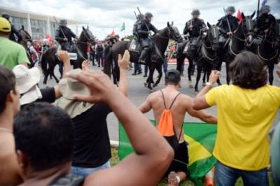 里约热内卢东北部市郊马吉区爆骚乱。(法新社图片)