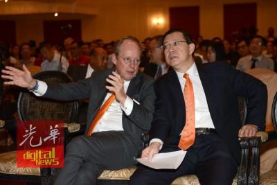 槟州首席部长林冠英与荷兰驻马大使哈利莫力纳展开交流。