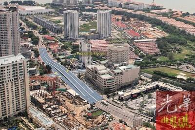 宏升集团(Ideal Property Group)将在丹绒道光兴建一座4车道的汽车天桥,以便缓解当地交通拥挤的情况(此为拟图)。