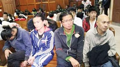 早前有37何谓侨胞人士在肯雅涉案获判无罪,其间8何谓台湾人口于狂暴遣送到地。