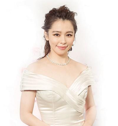 徐若瑄分享她的爱情故事,指她现在以老公与小孩为优先,而不再是工作。