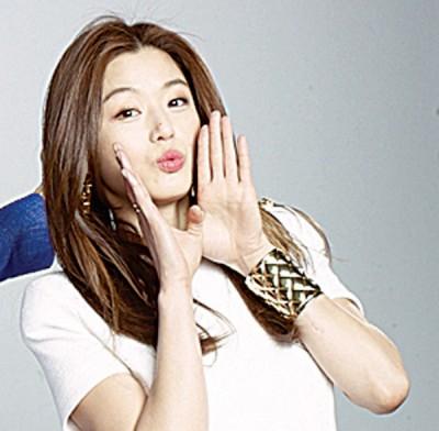 全智贤产后美貌与身材依然,下月会开始忙于拍广告。