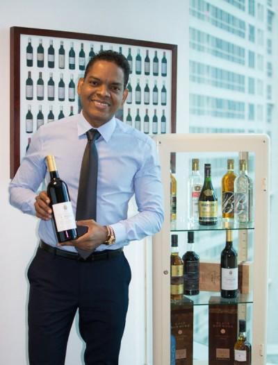 五家出问题的投资公司,幕后董事兼股东是多米尼加共和国人士马塔,他相信已离开新加坡。