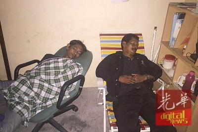 吉华S校两号保安人员未尽保安任务,反睡大觉引起非议。(取得自网络)