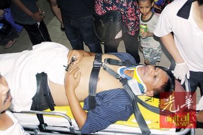 男子随后被送往医院就医。