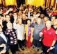 """出席""""拯救马来西亚行动论坛""""的民众与主讲人包括慕尤丁(左4)、马哈迪(左6)和慕克里(左7)及嘉宾们合影。"""