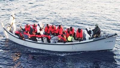 地中海经常发生难民船沉船意外,死伤不计其数。