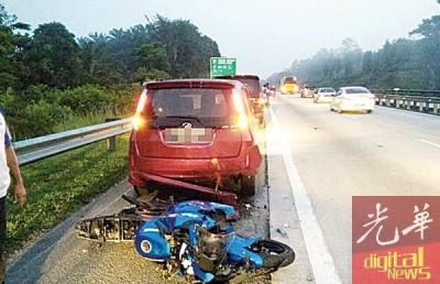 南北大道往北方向第348公里处发生6车连环撞,两名摩托车骑士不幸送命。