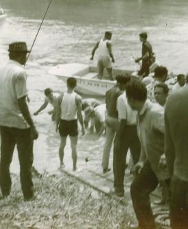 1972年发生的吉辇河渡轮惨剧档案照。