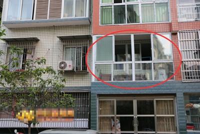 老两口两口之遗体,当家睡房被发现。