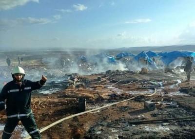 叙利亚北部一个难民营遭空袭。
