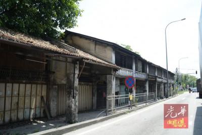 村镇景况,后以变成老一辈居民的回顾。