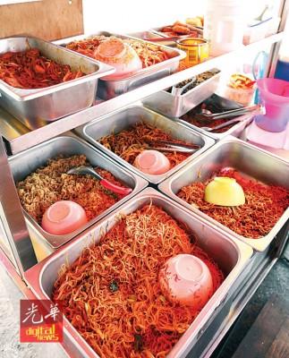 杨玉宝售卖多种面食,受街坊有更多选择。
