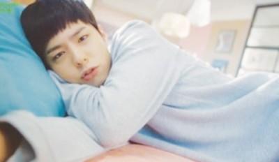韩国新生代男星朴宝剑因韩剧《请回答1988》暴红,广告代言接不完。