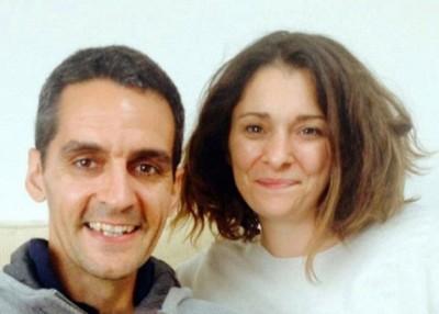 奥斯曼与妻子奥莱丽亚(右)。