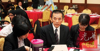 郑雨周为坚持本身理念,过去几年与同僚渐行渐远,他声称被攻击得体无完肤,但自己是遇强则强。