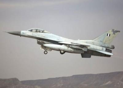 希腊两架F-16战机一度升空拦截。图为一架希腊F-16战机。(资料图片)