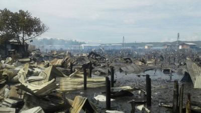古达甘榜兰东阿央劳勿周一晨出火灾,烧毁250内部木屋。