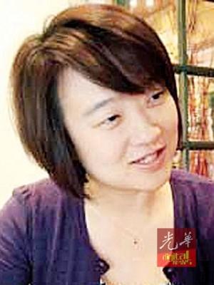"""黄颖欣:无败华裔选民是以""""华人副主任""""的应而投选国阵。"""