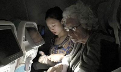 钟诗琪跪地为年迈乘客服务,敬业精神获得超过1万名网友点赞。